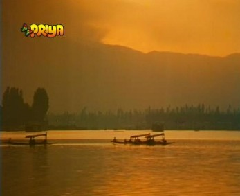 A sunset on Dal Lake
