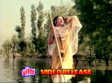 Sharmila Tagore in Kashmir ki Kali