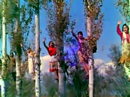 The girls in the trees- Phir Wohi DIl Laya Hoon