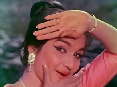 Asha Parekh in Phir Wohi Dil Laya Hoon