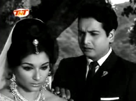 Sharmila Tagore and Biswajit in Yeh Raat Phir Na Aayegi