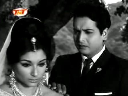 Sharmila Tagore and Biswajit in Yeh Raat Phir Na Aayegi