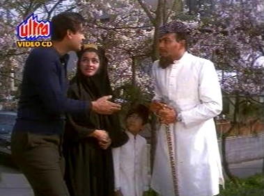 Mahesh & Co. rescue Asha from Madan and Pran