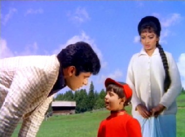 Sanjay Khan, Bobby and Sadhana in Ek Phool Do Maali