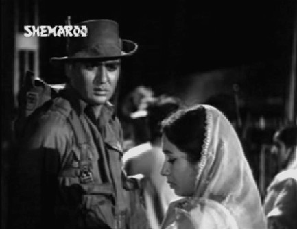 Sunil Dutt and Nanda in Usne Kaha Tha