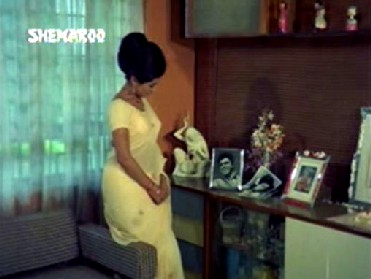 Sudha sees Rajesh's photo in Sudhir's house