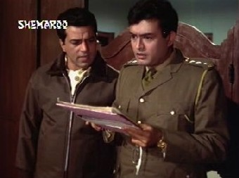 Dharmendra and Sanjeev Kumar in Shikar
