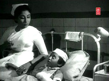 Shobhna looks after Shankar's injured son