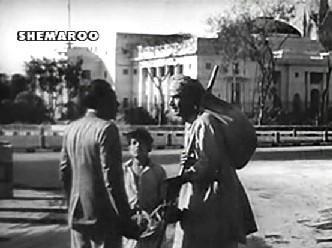 Shambhu tries desperately to find work in Calcutta