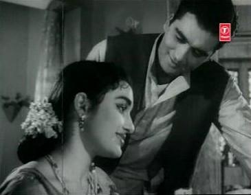 Sunil Dutt and Asha Parekh in Chhaya