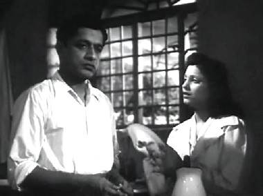 V Shantaram and Jaishree in Dr Kotnis ki Amar Kahani