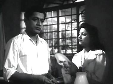 V Shantaram and Jaishree in Dr Kotnis ki Amar Kahani