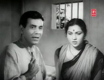 Shyamlal and Manorama have a chat about their bleak future