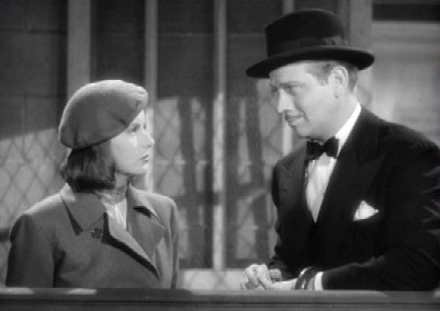 Leon falls for Ninotchka