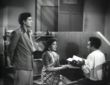 Ranjeet breaks up the tete-a-tete between Kalpana and Mohan