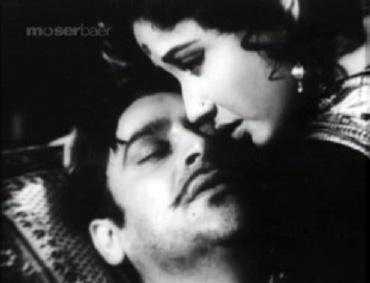 Meena Kumari and Rehman in Sahib Bibi aur Ghulam