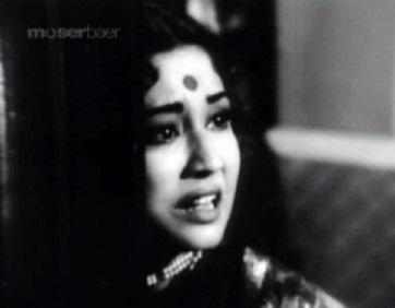 Meena Kumari as the Chhoti Bahu