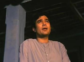 Kahin door jab din dhal jaaye from Anand