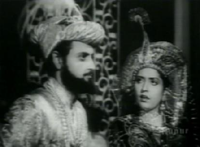 Mumtaz advises Shahjahan re: Ruhi