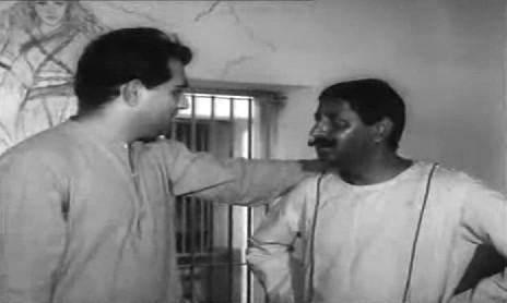 Dutt tries to explain things to Kehar Singh