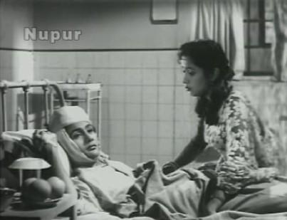 Seema consoles an injured Bholu