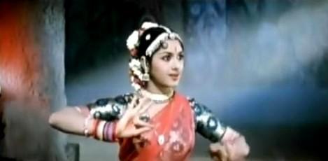 Lakshmi falls for Nikitin