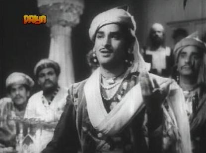Gul Mirza impresses at a mushaira