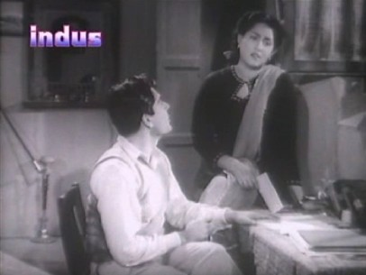Mona and Manohar come back to the village - and rejection letters