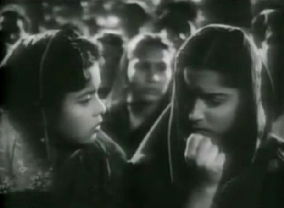 Vijay comes back from the dead, in Pyaasa