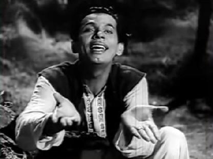 Johnny Walker as Baiju in Chhoomantar