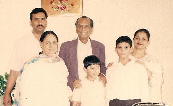 Johnny Walker, Noor, Nabil, his parents and brother