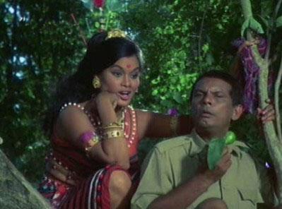 Johnny Walker as Teju in Shikaar, with Bela Bose