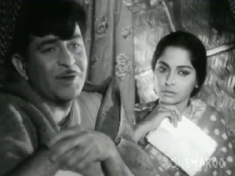 Raj Kapoor and Waheeda Rehman in Teesri Kasam