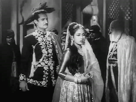 Chandramukhi discovers who her abductor is