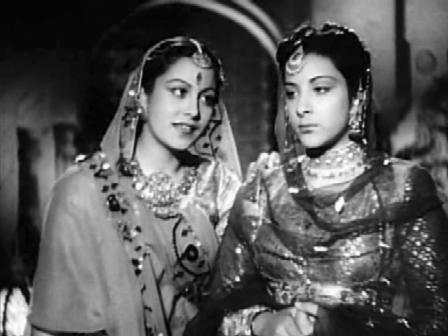 The princess tries to persuade Hamida to marry Humayun