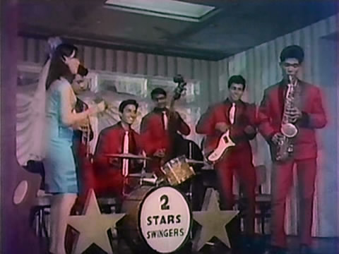 A dance sequence from Aamne Saamne