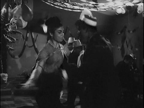 Edwina dancing in Raat aur Din