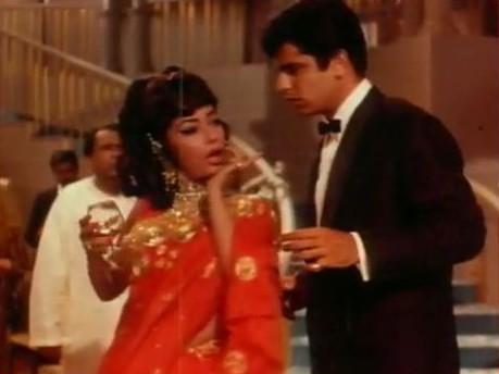 Sadhana and Sanjay Khan in Intaquam