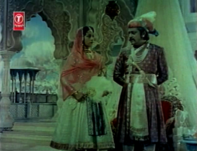 Jehangir talks with his wife and empress, Noorjehan