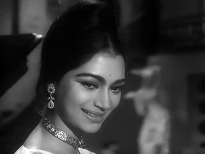 Simi Garewal in Teen Deviyaan