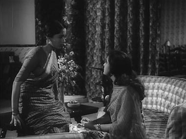 Ratna confesses to Kavita