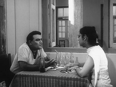 Kedar and Sumitra hatch a plot to get Kavita and Arun together