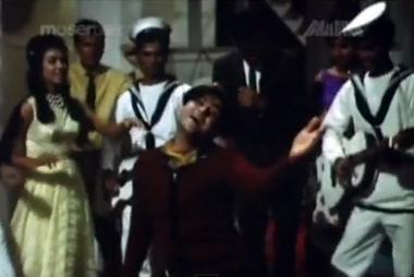 Joy Mukherjee in 'Duniya paagal hai' from Shagird