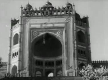 Fatehpur Sikri: Hum hain raahi pyaar ke, from Nau Do Gyarah