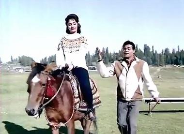 Ae nargis-e-mastaana, from Aarzoo