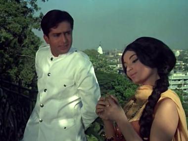 Vijay gets a job as Chinoy Seth's driver