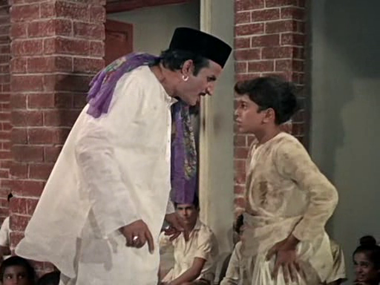 Raju stands up to the tyrannical manager of the orphanage