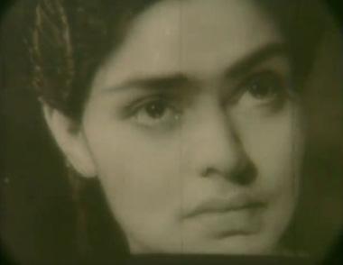 Uma Anand as Maya in Neecha Nagar