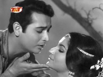 Biswajeet and Sharmila Tagore in Yeh Raat Phir Na Aayegi