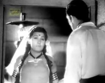 Bulbul tells Roshan of their plight